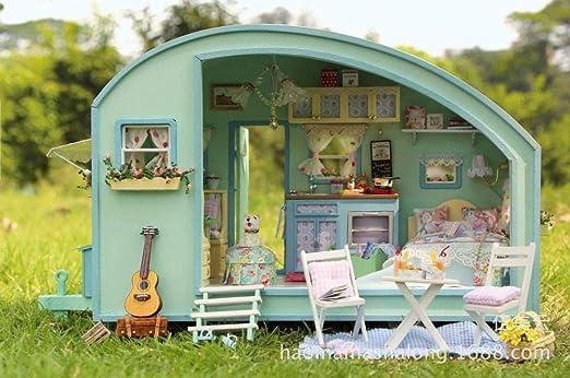 Amazon.es: QIANBAOBAO Casa De Bricolaje Caravana De Viaje En El Tiempo De Bricolaje Navideño para Niños: Juguetes y juegos