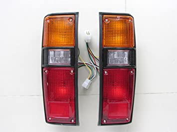 REAR TAIL LIGHT LEFT SIDE LAMP FOR TOYOTA HILUX RN30 RN40 1979-1983 PICKUP TRUCK