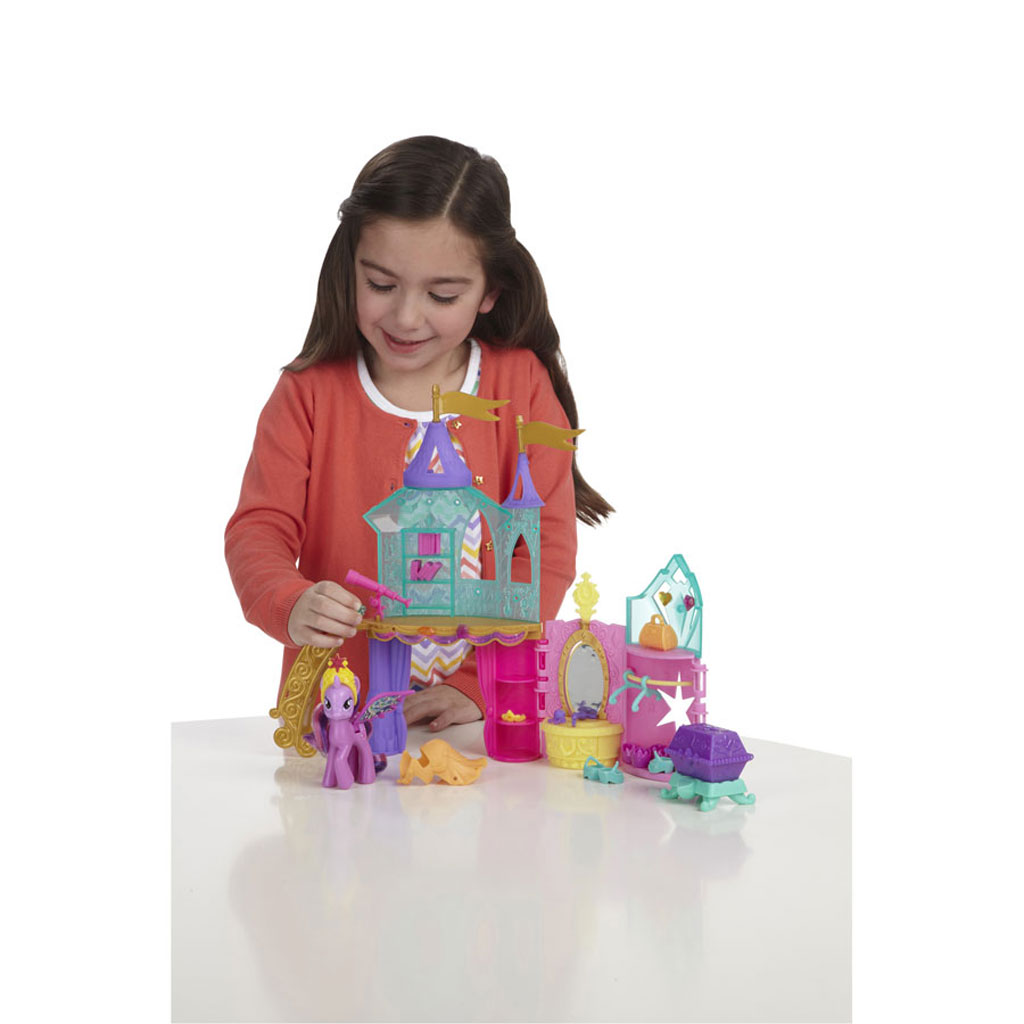 My little pony crystal princess palace playset for Small princess