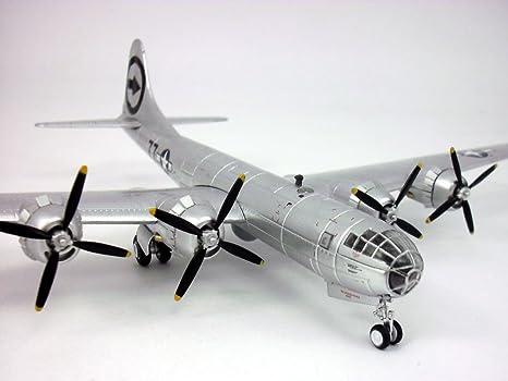 Executive Series Flugzeug Modell B-29 Superfortress 1//72 Neu A1572