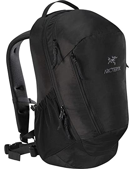 6cf719448ca Amazon.com: Arc'teryx Mantis 26L Backpack (Black II): Sports & Outdoors