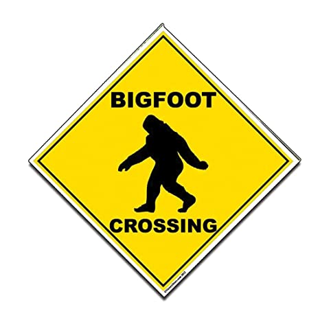 amazon com victorystore outdoor signs bigfoot crossing sign 22
