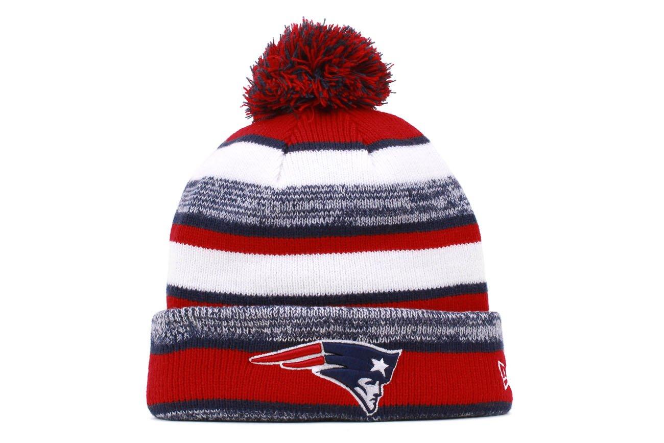big sale 41649 e4e83 Amazon.com   New York Giants 2014 On Field Sport Cuffed Pom Knit Beanie  Hat Cap   Clothing