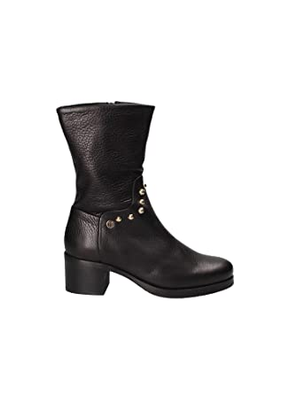 Amazon.com  Tommy Hilfiger Round Stud Mid Heel Womens Boots Black  Clothing 9eb1fa5a61095