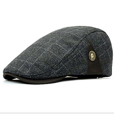 4ecfec57bef Clape Men s Plaid Tartan Newsboy Beret Cap Irish Hunting Hat Cap Adjustable  Cold Weather Driving Hat  Amazon.co.uk  Clothing