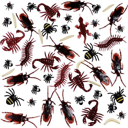 BBTO 156 Pieces Plastic Realistic Bugs, Fake Cockroaches, Spiders, Worms and Flies for Halloween Party and Decoration -