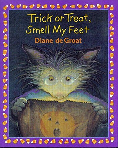 Trick or Treat, Smell My Feet (Gilbert the Opossum) ()