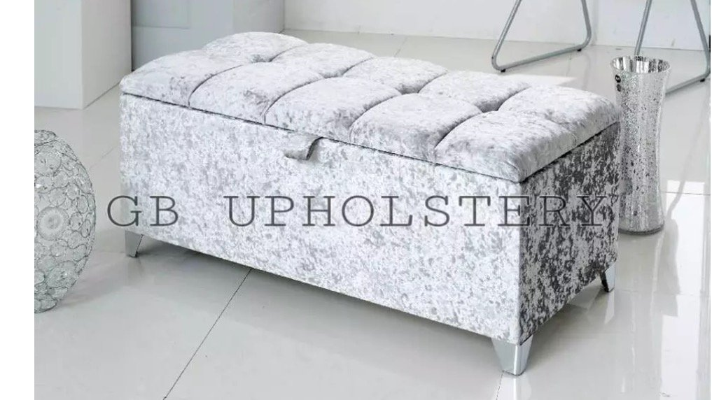 DESIRE BEDS Chesterfield Crushed Velvet Ottoman Pouffe Storage Box Toy box Blanket Box (Silver Crushed Velver) (Silver)