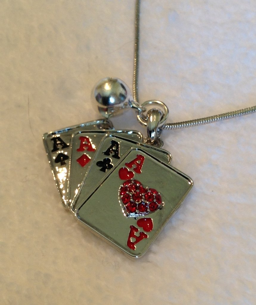 Pendant charm crystal/enamel playing cards casino gambling necklace D3