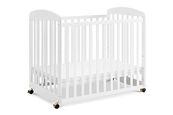 Amazon Com Davinci Alpha Mini Rocking Crib White Baby