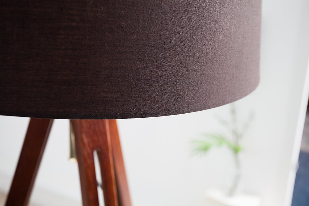 Stehlampe Holz Dreibein Grau | afdecker.com