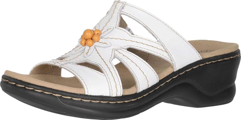 Clarks Women's Lexi Myrtle 2 Sandal, Sand Leather