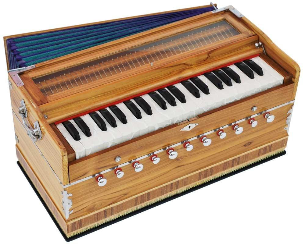 Harmonium Teak Wood By Kaayna Musicals, 11 Stop- 6 Main & 5 Drone, 3½ Octaves, Coupler, Natural Wood Color, Gig Bag, Bass/Male Reed- 440 Hz, Suitable for Yoga, Bhajan, Kirtan, Shruti, Mantra, etc 3½ Octaves NAT11-OLDF