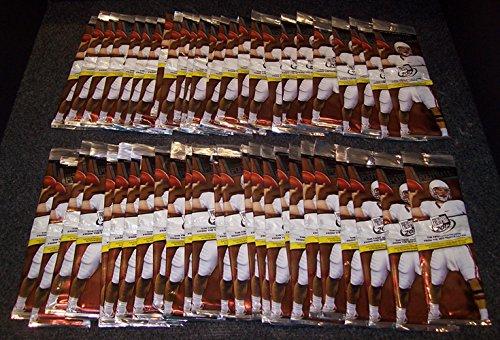 50 Packs 2012 Press Pass Football Value Packs-Green Metallic Autos, ()
