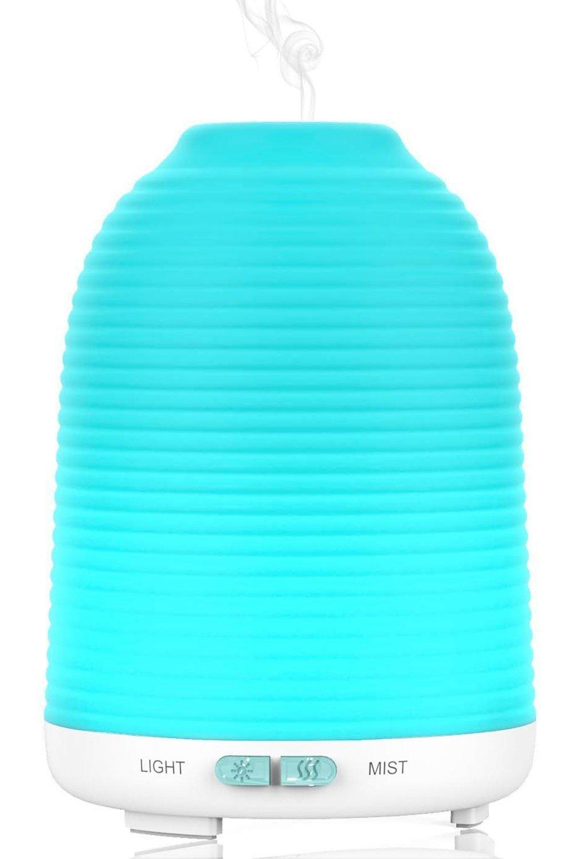 Aptoyu Diffuseur d'huiles essentielles humidificateur avec lumiè re LED 7 couleurs 120 ml JS-PU-LIT1115