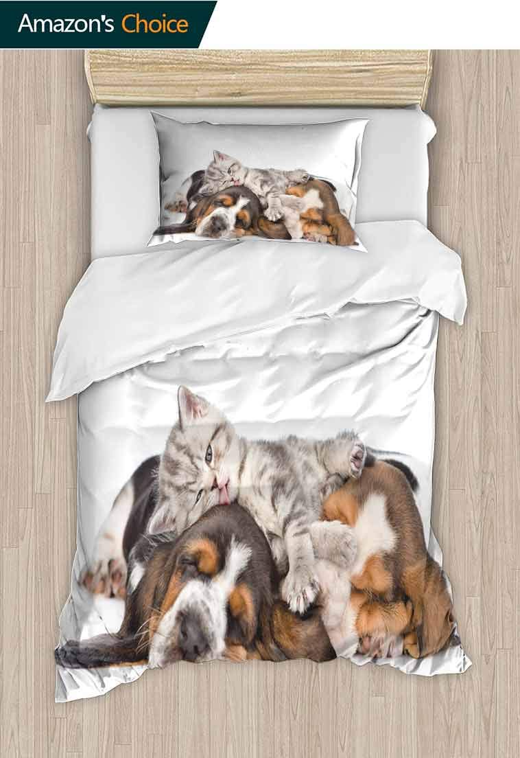 Funny Printed Quilt Cover and Pillowcase Set, Newborn Kitten Lying on The Puppies Basset Hound and Licks Sleeping Cuddle Picture, Reversible Coverlet, Bedspread, Gifts for Girls Women Multicolor