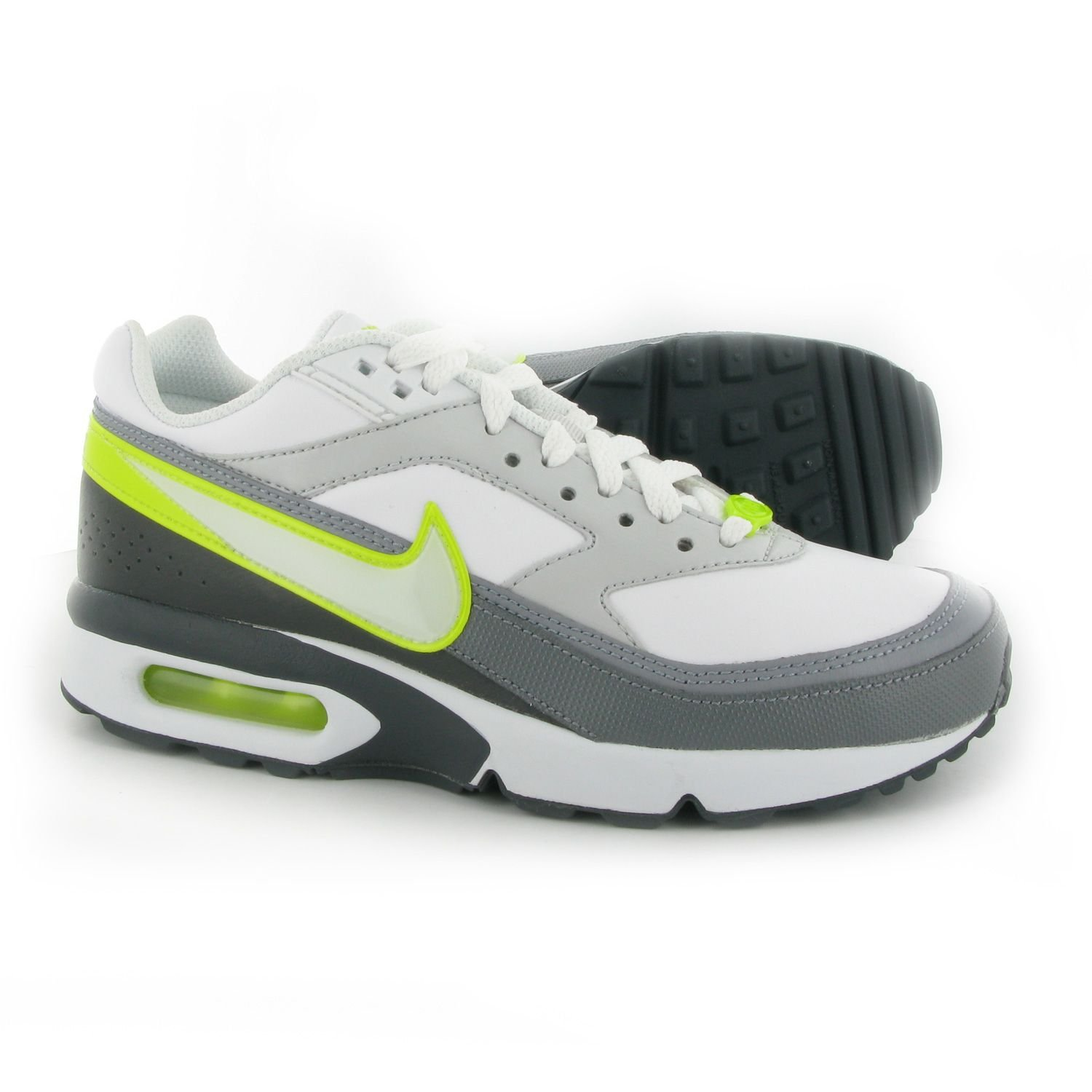en soldes ce84f 158c1 NIKE Air Max Classic BW Boys Trainers (Junior) 5.5 White ...
