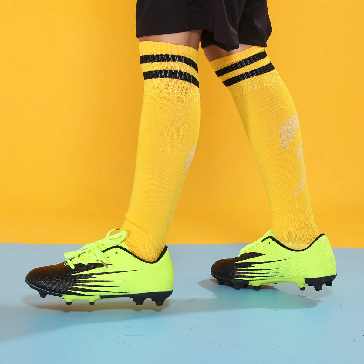 Hawkwell Kids Athletic Outdoor//Indoor Comfortable Soccer Shoes Toddler//Little Kid//Big Kid