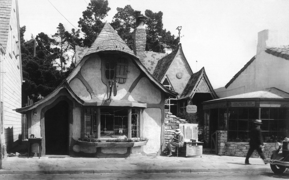 Carmel、カリフォルニア – 外部ビューの英語のケーキショップand Tea Room 16 x 24 Giclee Print LANT-11784-16x24 16 x 24 Giclee Print  B017ZE9AFE
