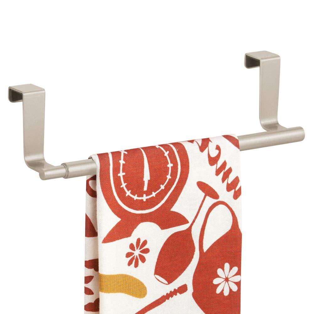 argento opaco mDesign Portasciugamani telescopico Portasalviette cucina Porta asciugamani da cucina allungabile fino a 43,2 cm da appendere sulle ante dei mobili