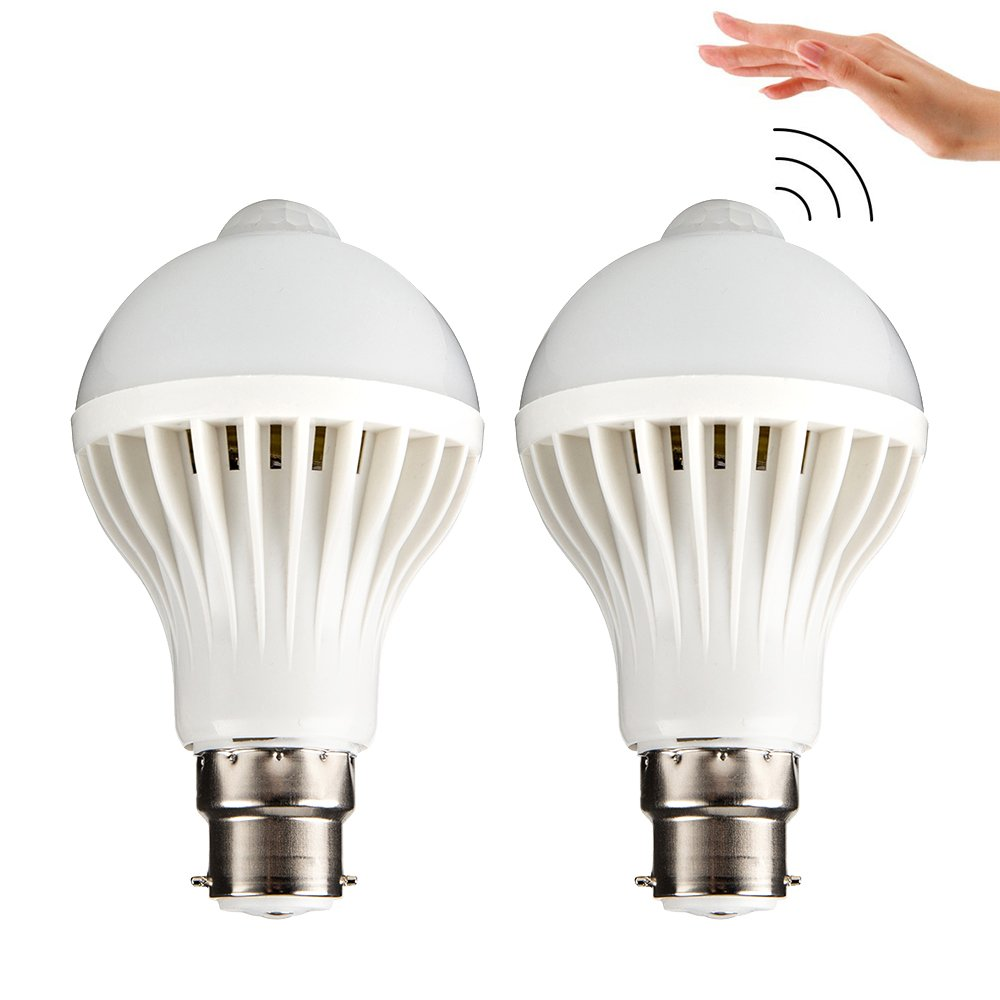 Interlink電球PIRモーションセンサー検出器レーダー検出ランプ夜ライトe22ベース自動on / offスイッチLED階段の屋内屋外照明パティオフロントドア地下室裏庭2パック B079FJ3XB6