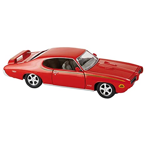 amazon com hallmark kck1031 1 24 scale 1969 pontiac gto judge toys