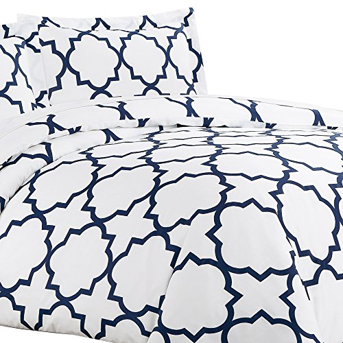 Echelon Cover - Echelon Home Quatrefoil Duvet Cover Set, King, Navy