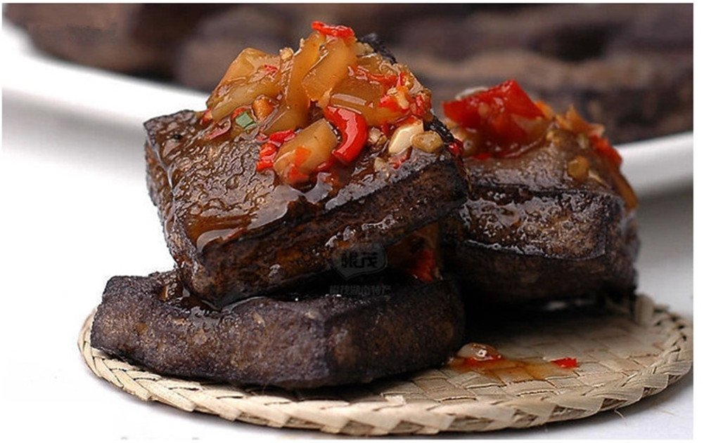 Qyz@ Chinese Special Leisure Food:hunan Changsha Specialty Stinky Tofu Spicy(120g2) by Qyz