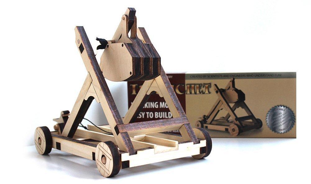 Wooden catapult/trébuchet kit: A French gift for kids