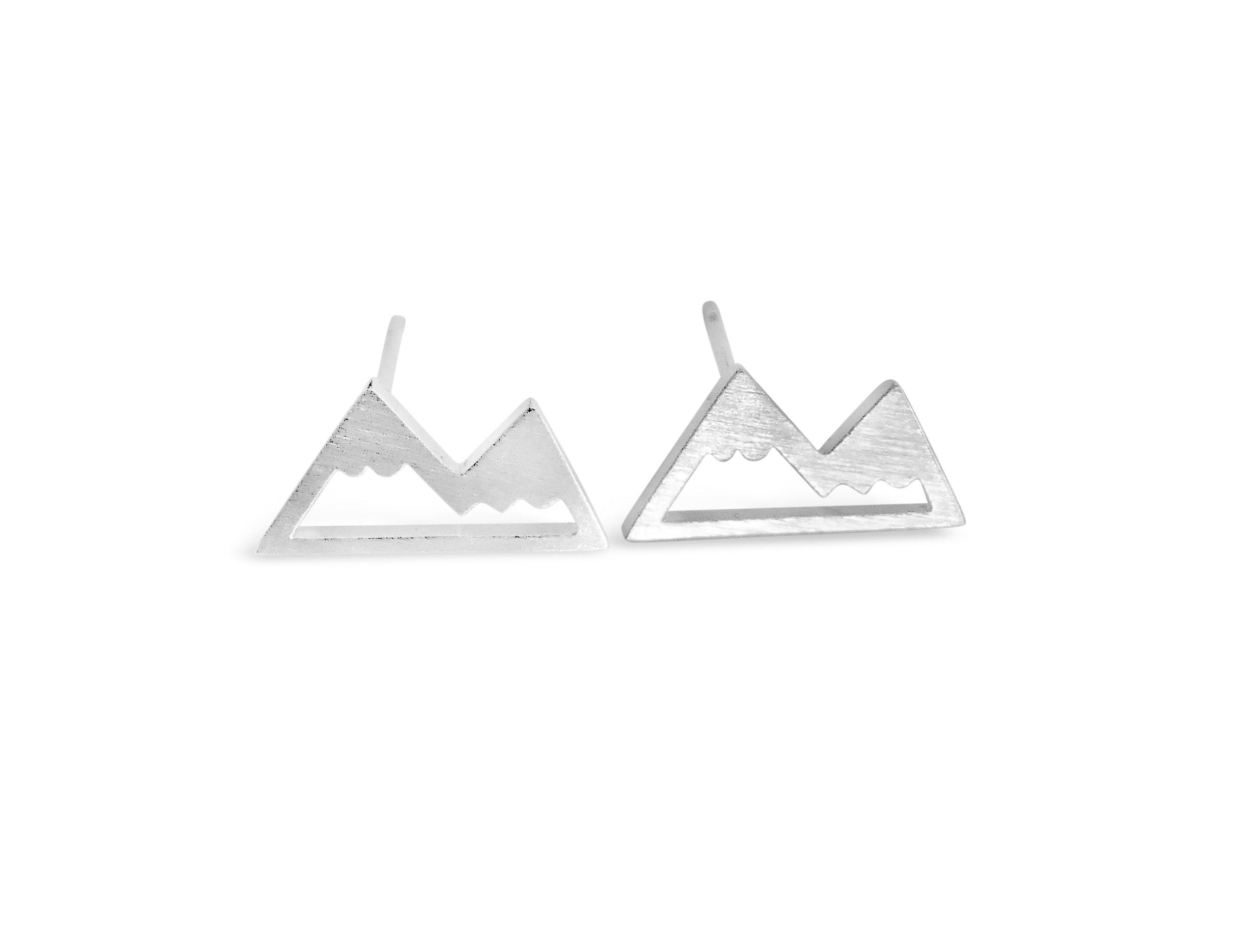 Rosa Vila Mountain Stud Earrings for Women, Outdoor Enthusiast Gifts (Silver Tone)