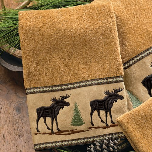 (BLACK FOREST DECOR Moose & Pine Hand Towel)