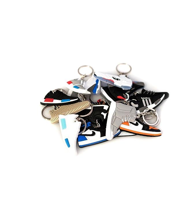 Amazon.com: xxiii Retro Zapato de goma Zapatillas Llaveros ...