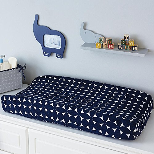 happy-chic-baby-by-jonathan-adler-taylor-navy-and-white-geo-print-changing-pad-cover