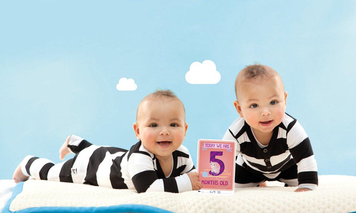 Amazon.com : Milestone - Baby Photo Cards Original - Twins - Set of ...