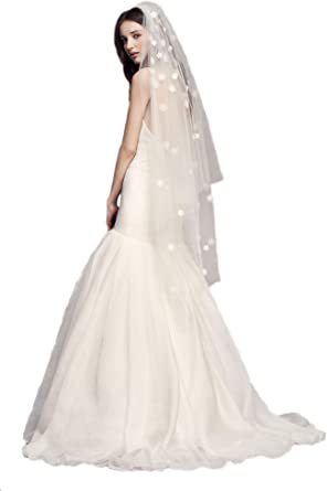 FINGERTIP LACE VEIL MANTILLA IN DIAMOND WHITE CATHOLIC SPANISH WEDDING VEIL