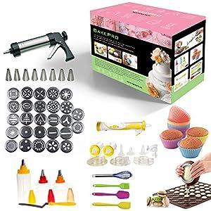 BakePro – ensemble élégant pour la création de gâteaux, biscuits, glaçage, composé de 72 pièces en acier inoxydable avec 27 disques, 8 buses, une plaque de cuisson + poche à douille pour macarons, un kit électrique de un stylo et 14 accessoires pour les décorations, 8 bouteilles pour glaçage et fondant avec option de couleur double, une spatule coudée, 6 moules en silicone souple pour cupcakes et