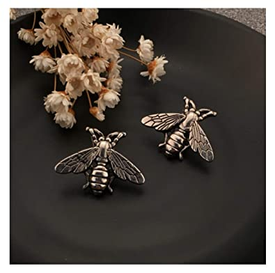 51438f42a08 Amazon.com: Tiande Bees Brooch Small bee Vintage Cute Animal Brooch pins  Male Metal Bees Shirt Brooch Novelty Suit and Vest pin (2 pcs) - Gold:  Jewelry