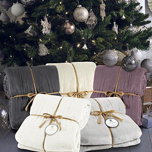 """Genteele Luxurious Velvet Fleece Blanket Ultra Plush Soft Cozy Warm Bed Blanket, Twin 66"""" X 90"""