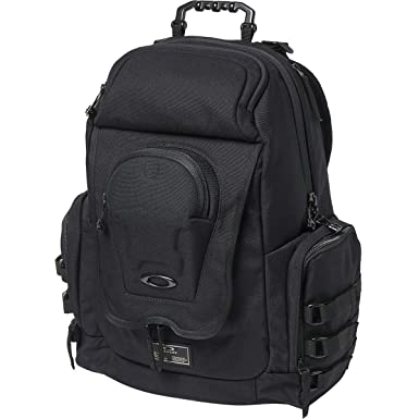 f34d25a2fffc0 Amazon.com  Oakley Men s Icon Backpack