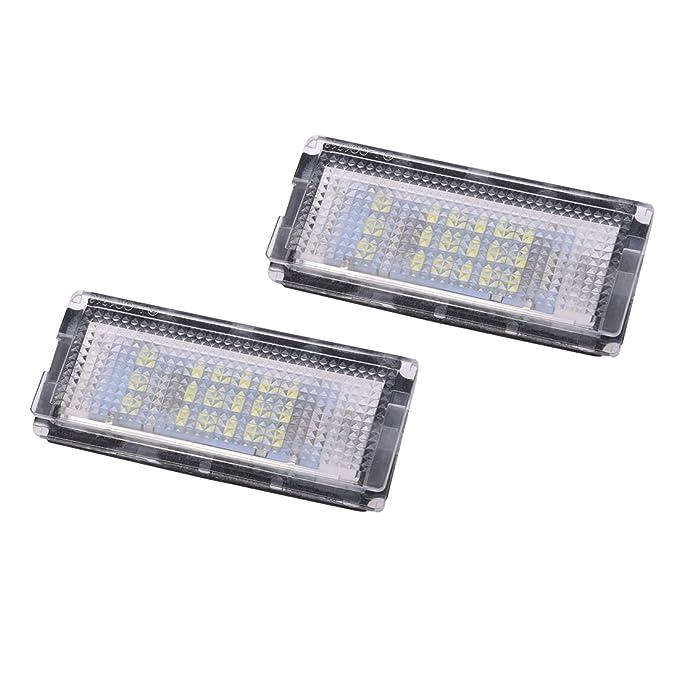 5 opinioni per SODIAL(R) 2x Lampade Luci Targa Bianco 18 LED SMD 3528 DC12V 6500K