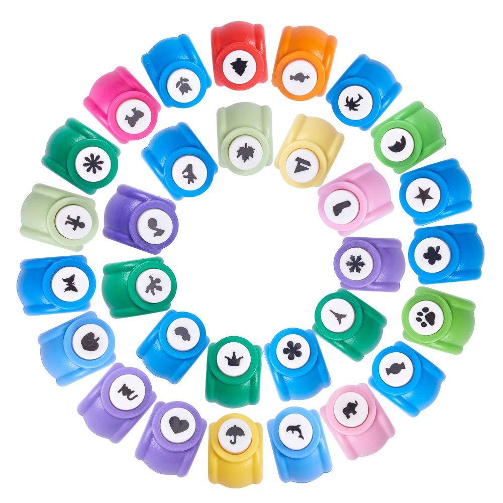 Pandahall Elite Lot de 30 mini Plastique Craft Perfore papier trou de comprimé s pour la cré ation de papier pour scrapbooking et travaux manuels, couleurs mé langé es, 30 formes couleurs mélangées 30formes PH Panda