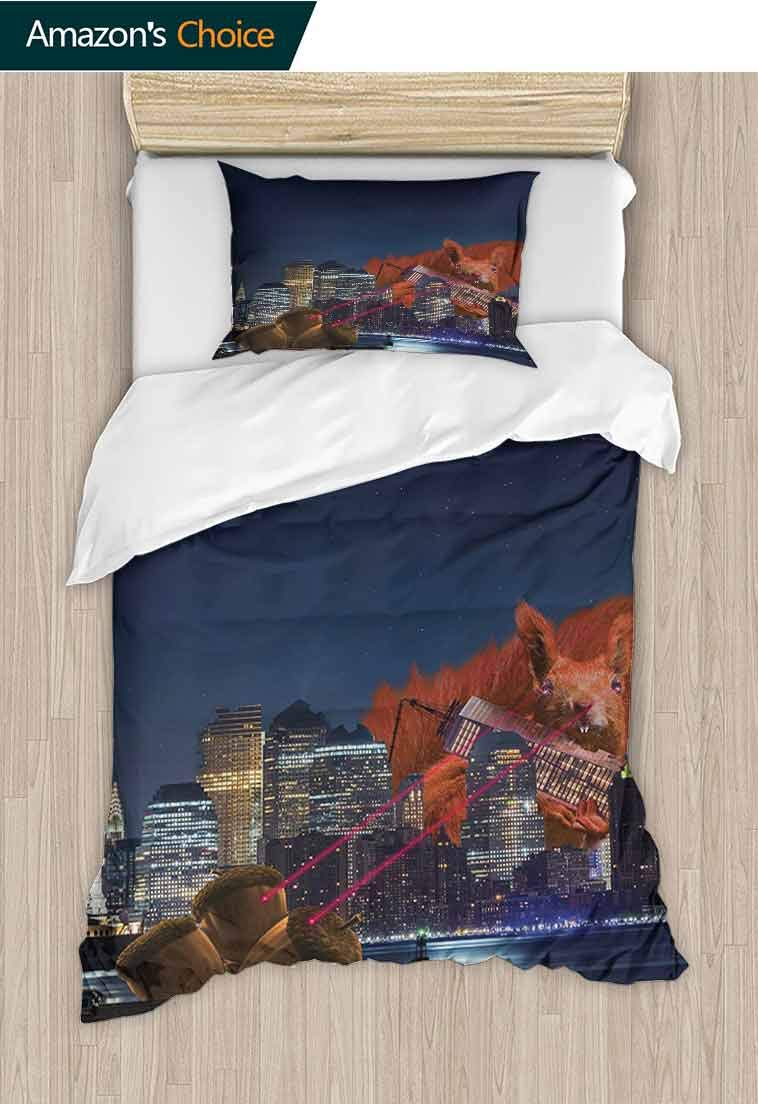 Animal Printed Quilt Cover and Pillowcase Set, Cartoon like New York City Scenery with a Big Laser Eyed Cute Squirrel Image Print, Print, Decorative Quilted 2 Piece Coverlet Set with 1 Pillow Shams,