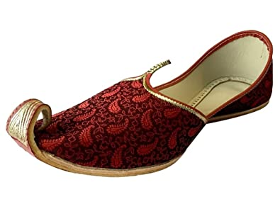 8266f772fc04 Step n Style Men s Mehroon Khussa Shoes Punjabi Jutti Indian Ethnic Mojari  Pakistani Wedding Shoes