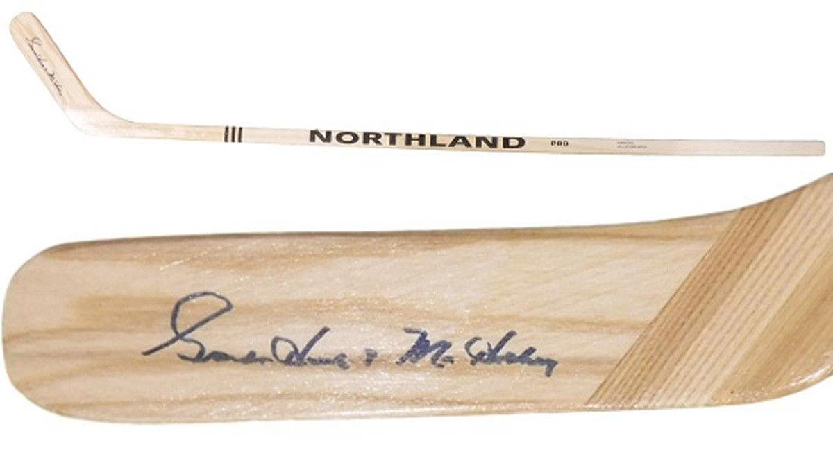 Gordie Howe Autographed Hockey Stick 11697 Northland PSA/DNA Certified Autographed NHL Sticks
