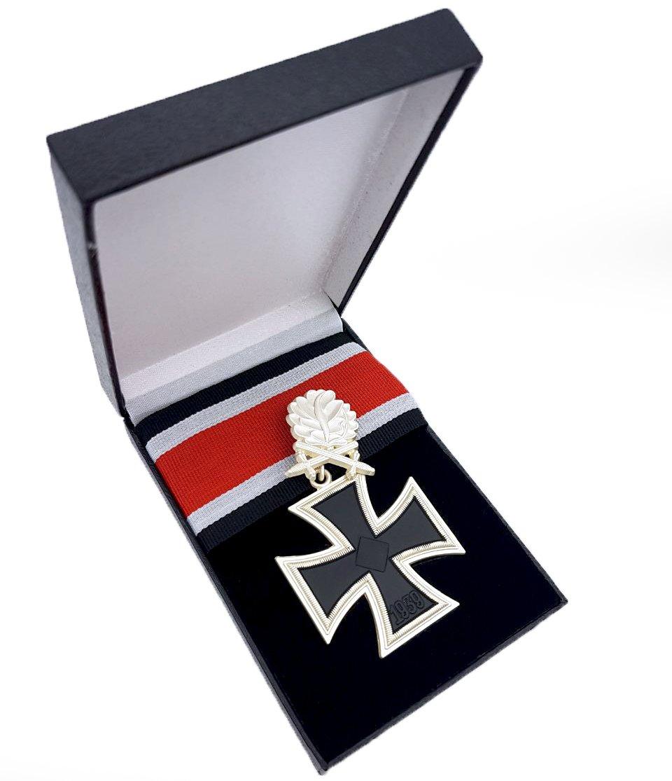 Bruncken & Gebhardt Hojas de Roble con Cruz (a Partir de Hierro schwertern para Ritter Cruz el 28DE septiembre 1941)–Militar Orden Premio–Segunda Guerra Mundial, WWII WK2 Gebhardt GbR