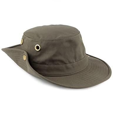 a4e0323ef45c6 Tilley Packable Hat - T3 - Olive Olive 7  Amazon.co.uk  Clothing