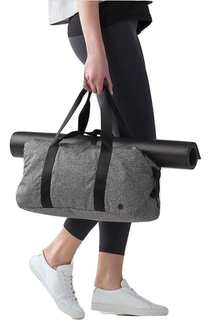Lululemon Fast Track Duffel Bag (Maxi Salt Alpine White Black)