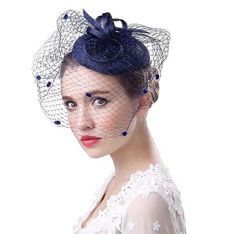Coiffure mariage cheveux courts avec chapeau