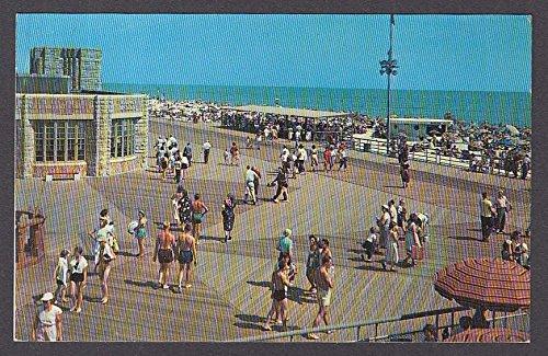 Jones Beach Central Mall Long Island NY postcard - Mall Beach Long