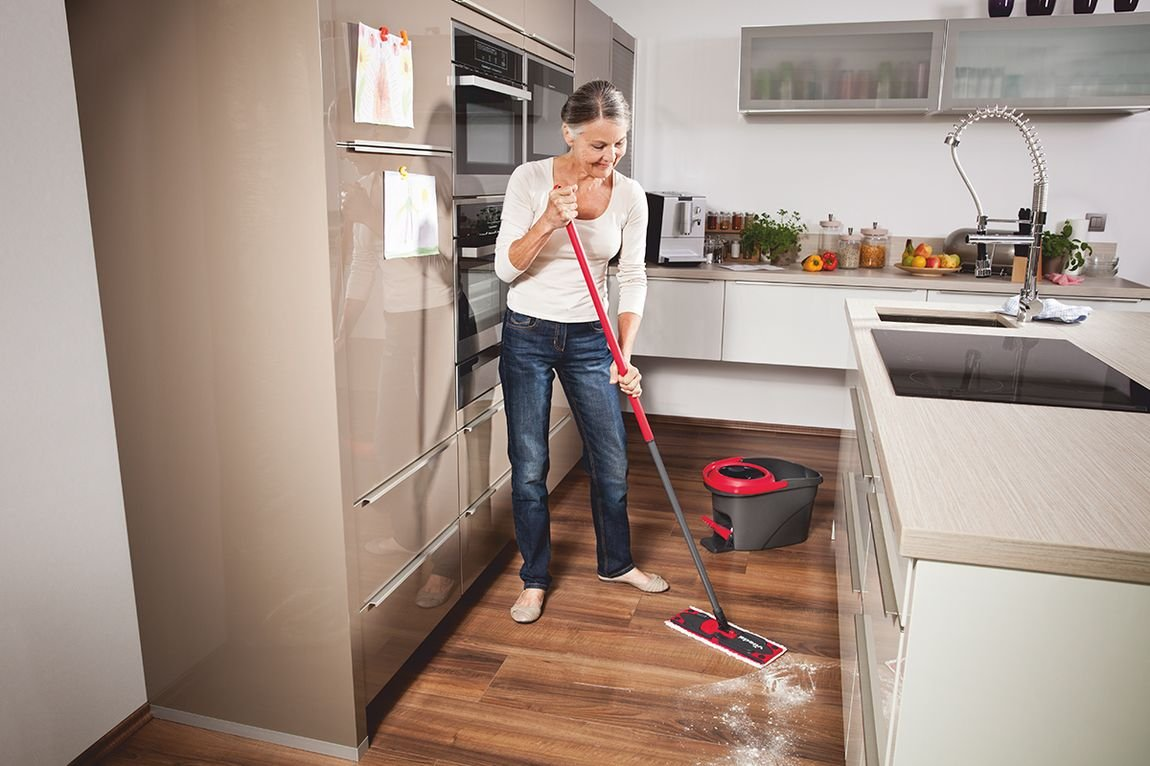 Amazon.com: Vileda Easy Wring Ultramat Flat Mop and Bucket with Power Spin Wringer: Home & Kitchen